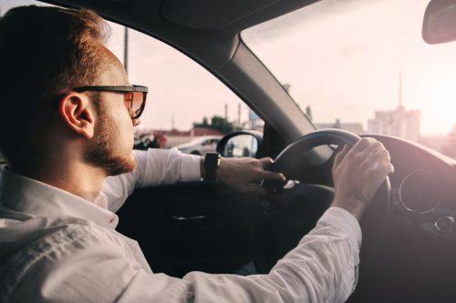 O okularach fotochromowych dla kierowców